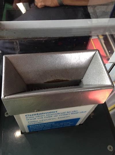 caja dinero bus dos