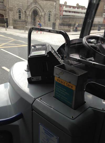caja dinero bus